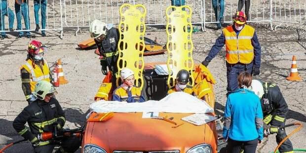 По следам реальных ДТП: в столице прошли учения спасателей