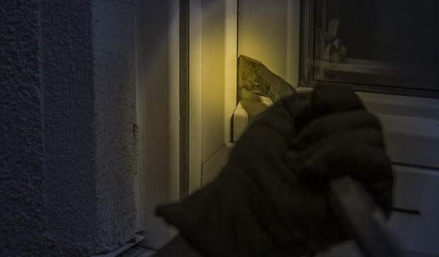 В посёлке Карелии грабители устроили потоп в квартире
