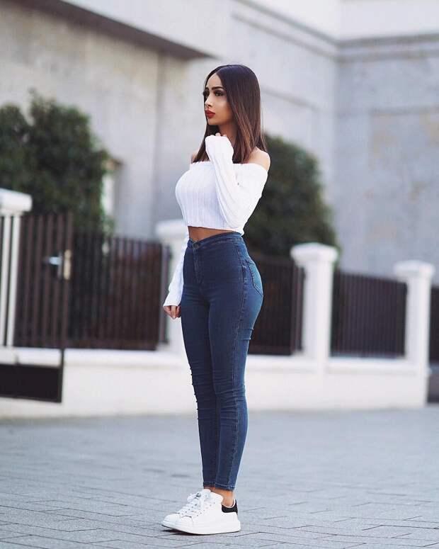 16 вариантов как носить джинсы с кроссовками, чтобы выглядеть стильно и модно