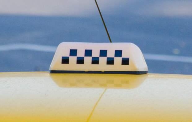 Керченский таксист между заказами вскрывал чужие автомобили