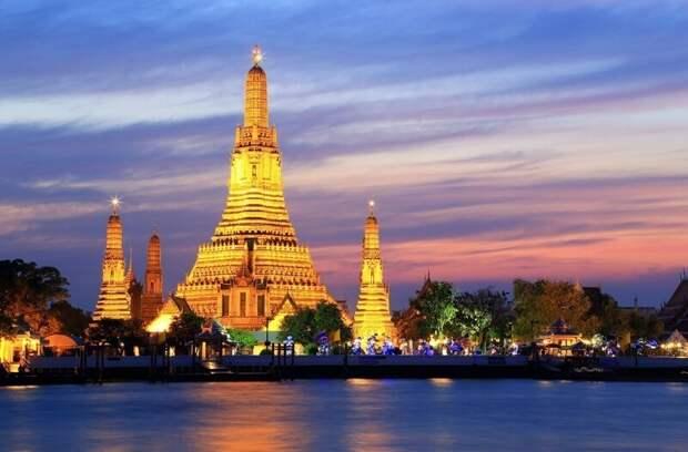 Совершенно неземной храм Ват Арун в Таиланде, от одного вида которого захватывает дух
