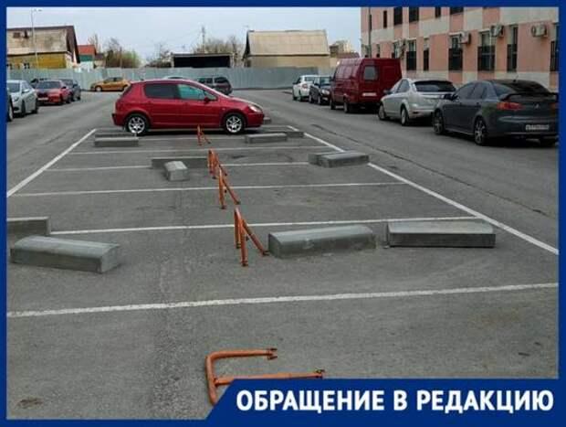 Бизнес по-волгоградски: парковку для инвалидов возле многоэтажки сделали платной