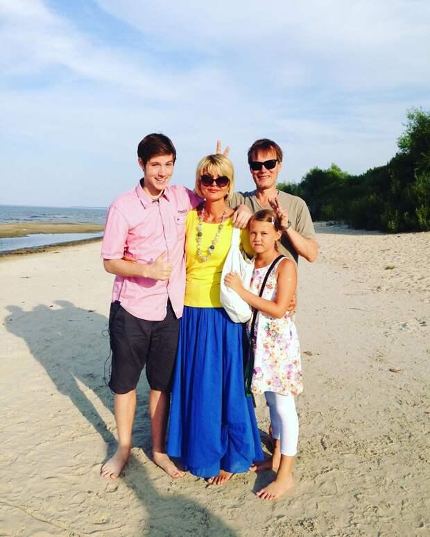 «Абсолютно бесценное время»: Юлия Меньшова рассказала о расставании с мужем