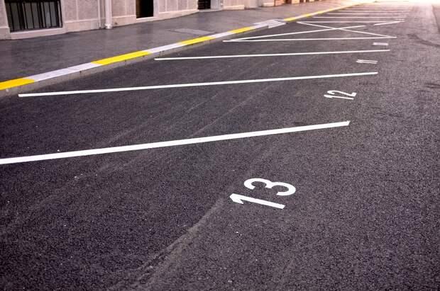 Новые парковочные места появятся вдоль 9-й Северной линии