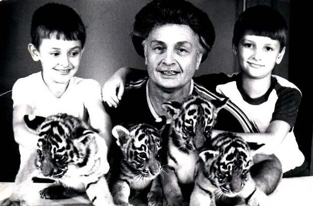Волшебные тигры : воспоминания учителя СССР