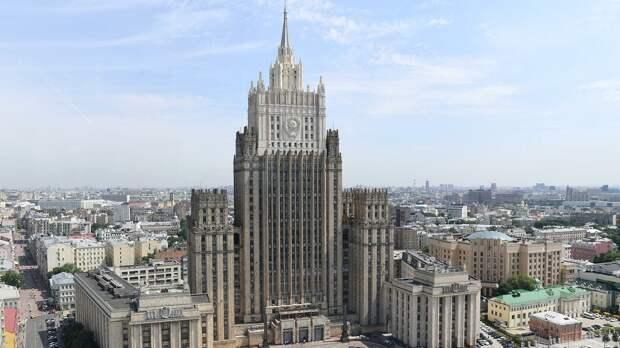 Россия предупредила Азербайджан о последствиях нападения на Армению