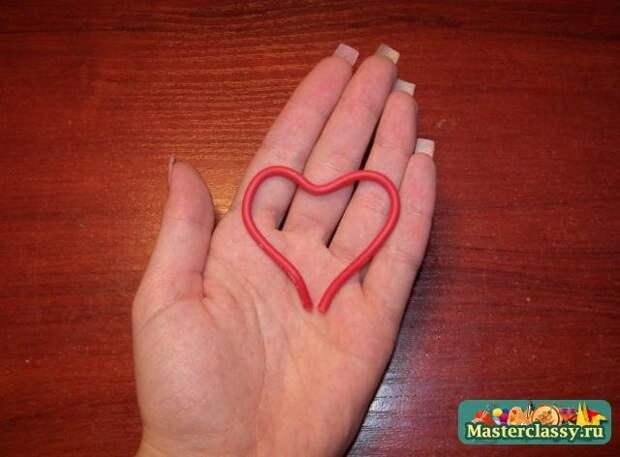украшения из бисера. Магнит - сердце из фиалок
