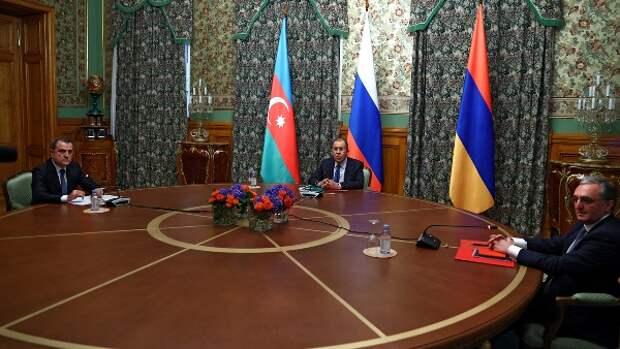 Шаг зашагом: Россия остановила войну вКарабахе