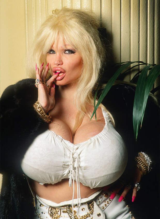 Лоло Феррари: судьба актрисы фильмов для взрослых с самой большой грудью в мире