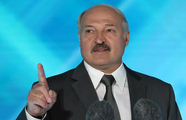 «Лукашенко попал в деликатную ситуацию». Политологи — о просьбе Киева выдать задержанных в Белоруссии россиян