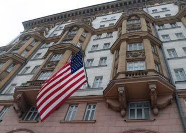 Запрет найма местного персонала заставит посольство США взвыть