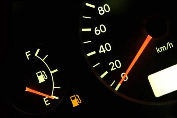 Увеличивается ли расход топлива от частого перезапуска двигателя