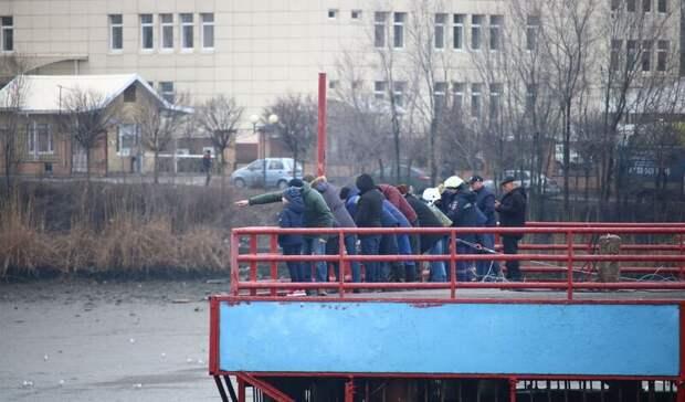 Ростовчан, сачками собиравших рыбу вобмелевшем водохранилище, оштрафовали