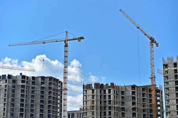 Собянин: в Москве строится 200-й дом по программе реновации