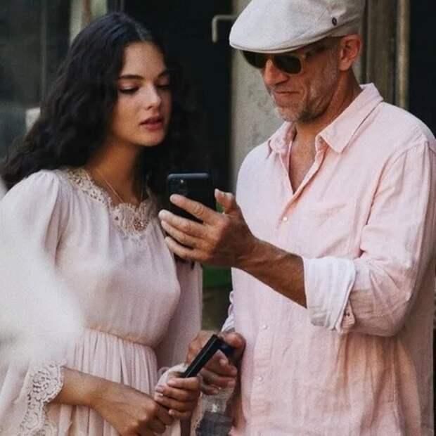 Как дочь Моники Беллуччи иВенсана Касселя юная модель Дева снимается для DolceGabbana