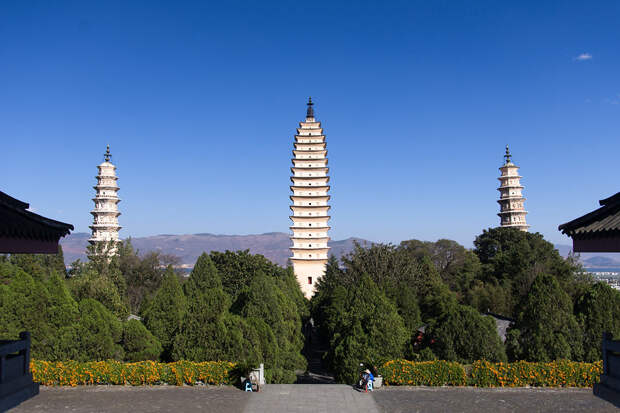Три Пагоды в Китае
