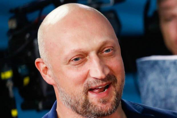 «Ради этого истоит ехать отдыхать»: Гоша Куценко поддержал курортные романы