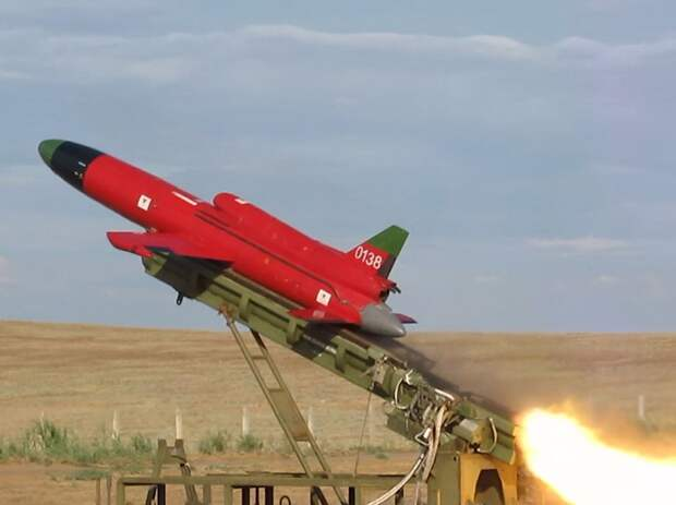 Состоялся первый полет реактивного беспилотника ВМ «Дань» М с отечественным двигателем МГТД-125Э