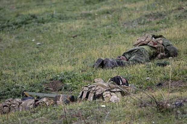 Haqqin: в Нагорном Карабахе могли уничтожить до 12 тыс. военных Азербайджана
