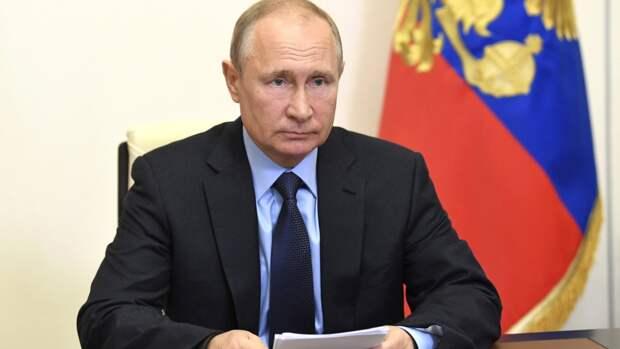 Путин поблагодарил российских врачей за труд во время пандемии коронавируса