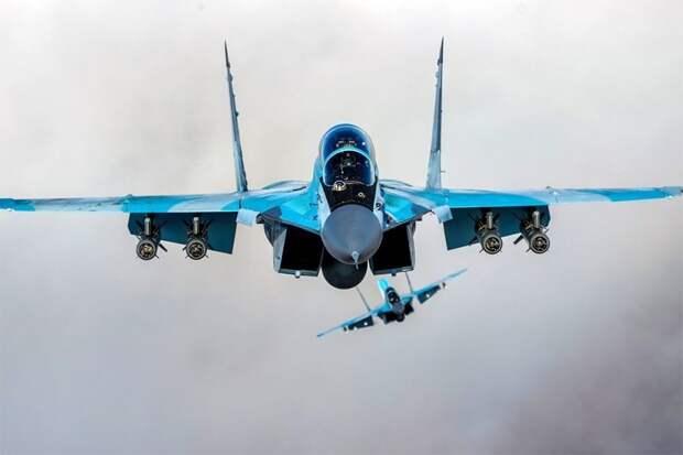 Avia.pro: осенью Иран начнет закупки в России систем С-400 и самолетов Су-30СМ