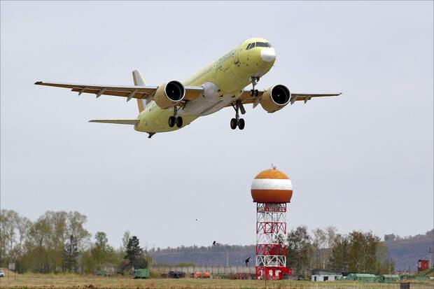 Эксперт: США нанесли удар по созданию новейшего российского авиалайнера
