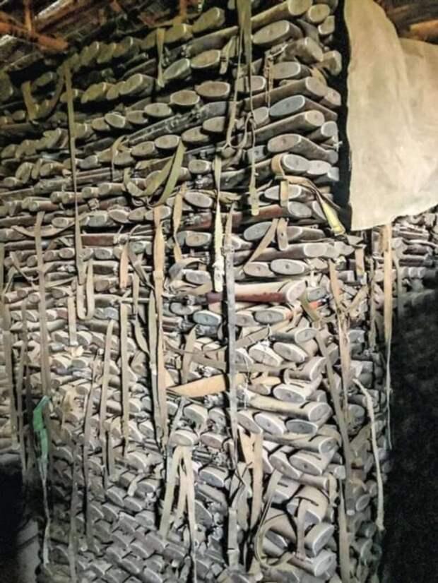 В Эфиопии нашли большой склад с карабинами M1 (3 фото)