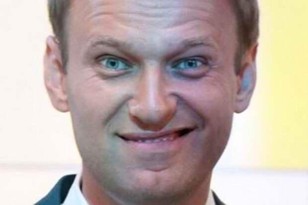 Либералы плюнули в церковь. Предрекли Навальному участь Христа.