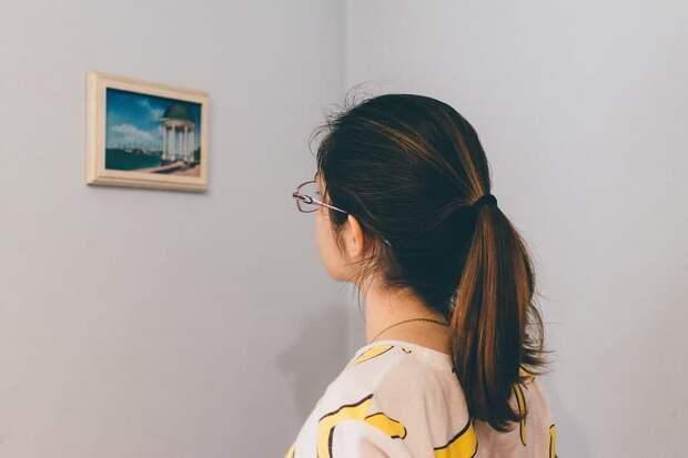 На Усиевича открылась выставка графики о районе Сокол