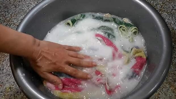 Сделав перед стиркой кухонных полотенец 1 полезное действие, вы избавитесь от постоянного запаха