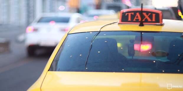 На Ботанической задержали таксиста без прав