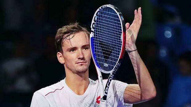 Медведев опустился на 3-е место в рейтинге ATP