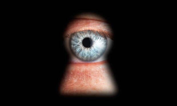 «Улыбнитесь, вас снимает скрытая камера!»: как узнать, что за вами кто-то наблюдает