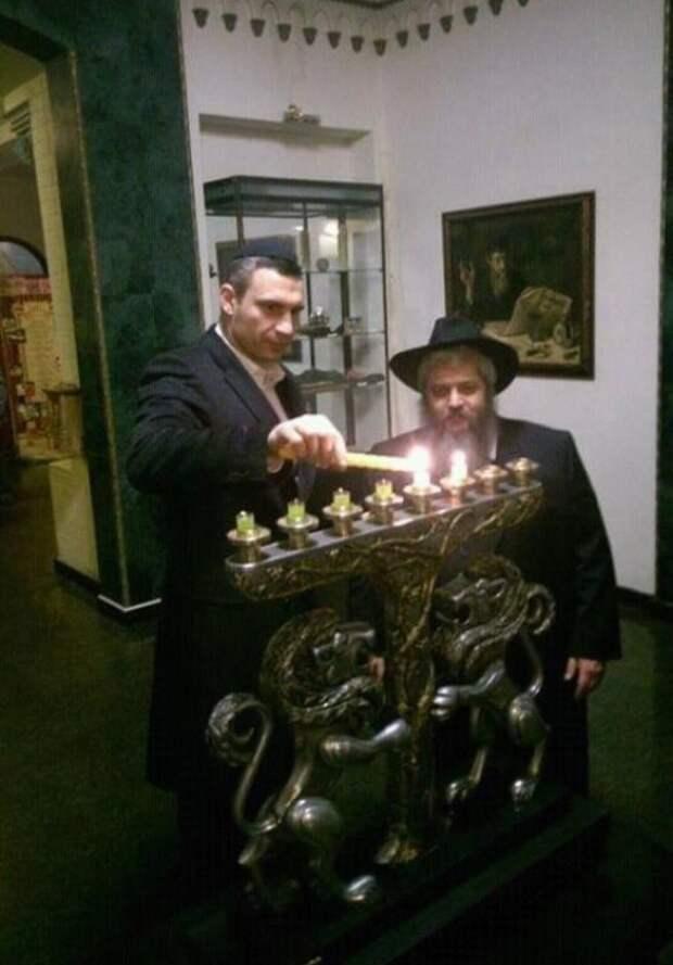 В доброй сказке, про ЗВЕРЕЙ... Айболит и Бармалей... Вот ЗАГАДКА для Детей... Кто из них двоих Еврей...???
