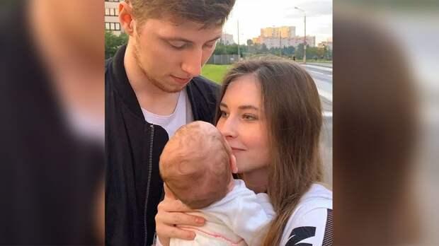 Олимпийская чемпионка Сочи Липницкая стала мамой месяц назад: фото