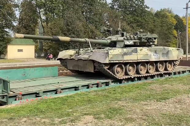 """Т-80 с комплексом активной защиты был замечен на учениях """"Запад-2021"""""""
