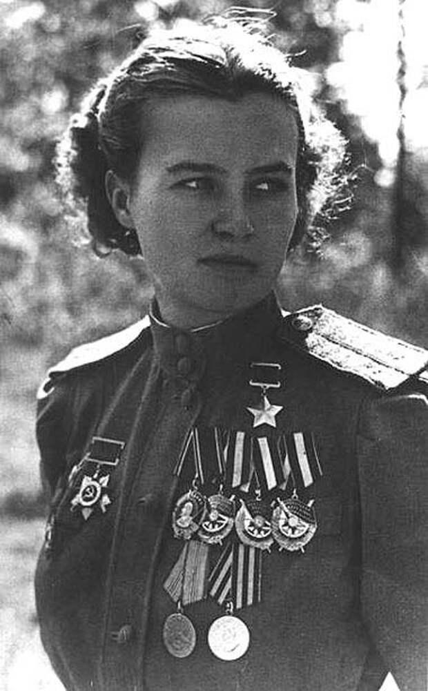 Герой Советского Союза Наталья Федоровна Меклин (Кравцова).
