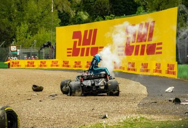 Mercedes не придётся менять двигатель на машине Боттаса после аварии в Имоле