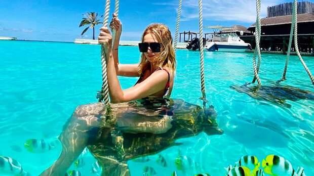 «Завтрак в океане». Рудковская выложила новое фото в купальнике с отдыха с Мальдив