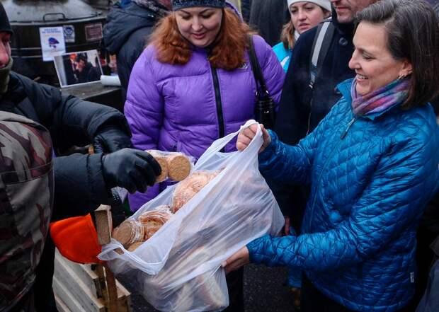 Посольство России не раздавало на улицах Вашингтона тульские пряники 18+