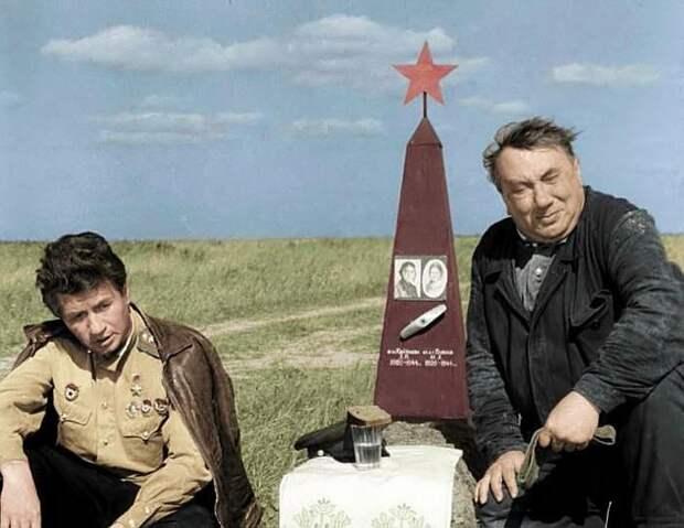 Алексей Смирнов. Кадр из фильма «В бой идут одни «старики», 1974 г.