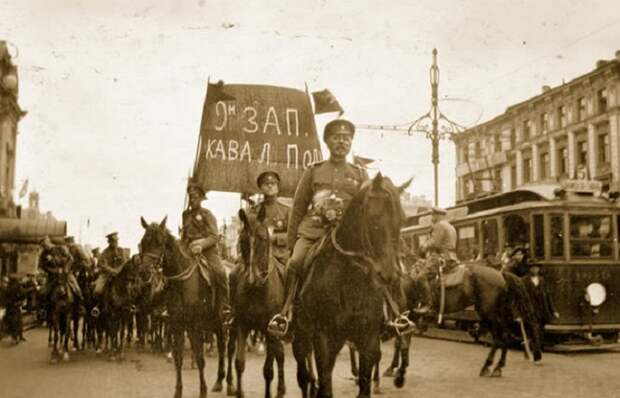 Петроград 1917 года глазами американского фотографа