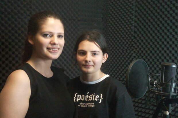 Две воспитанницы школы-интерната примут участие в «Военных песнях у кремля»