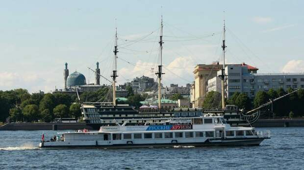 Петербург вошёл в тройку популярных направлений по туристическому кешбэку