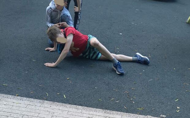 В Рязани на новой детской площадке в Верхнем городском саду мальчик «вылетел» с карусели