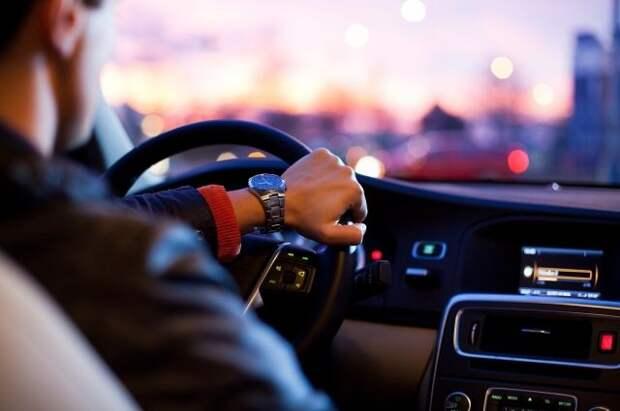 Юрист напомнила о штрафах для водителей в летний период