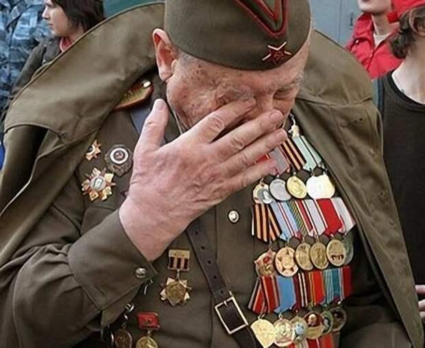 В Петербурге 99-летнего ветерана ограбили в День Победы