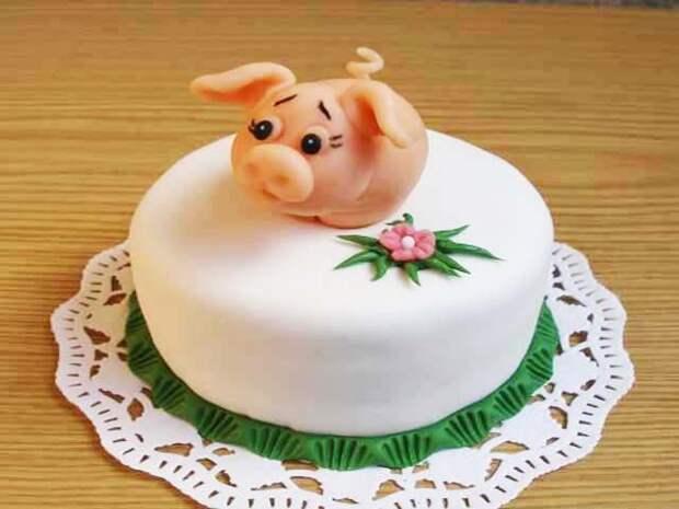 Новогодний торт на год Желтой Свиньи