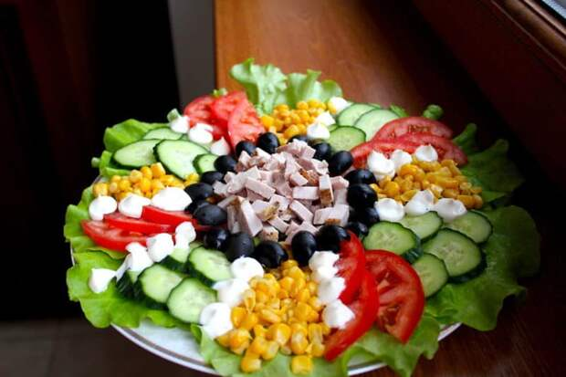 Праздничный салат Лето. Отличны й салатик из сезонных овощей 2