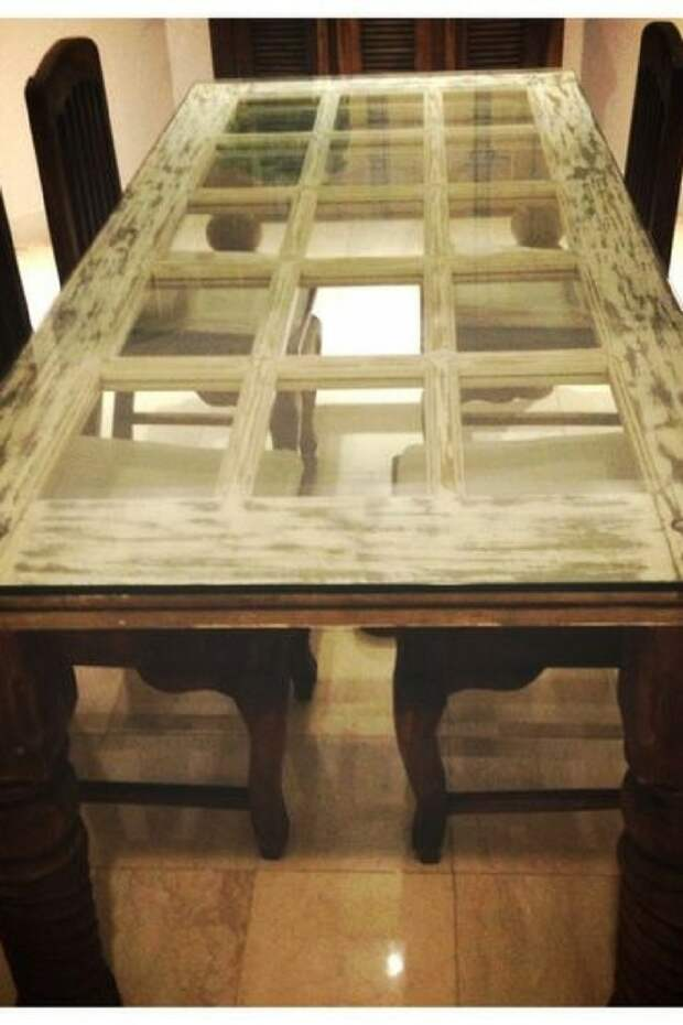 Стол из старой двери: 25 впечатляющих идей для дома и дачи